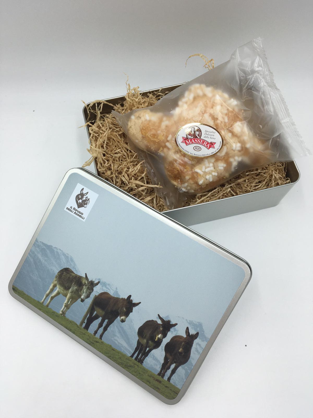 Easter cake (100 gr) and rectangular tin box with donkey image and logo Il Rifugio degli Asinelli. Size 22,1 x 16,2 x 6,7 cm