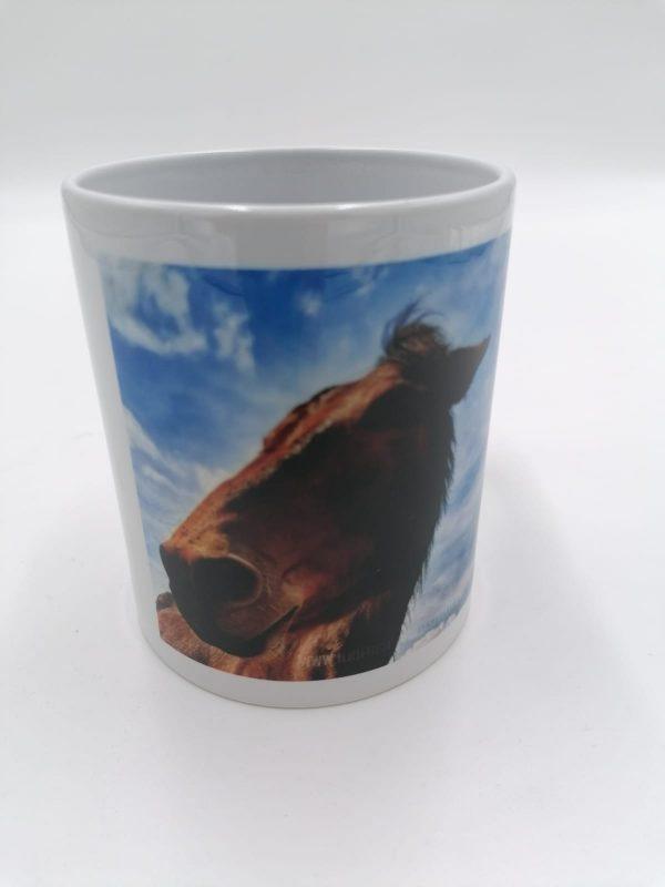 Tazza in ceramica con manico, immagine muulo Marco, ospite de Il Rifugio degli Asinelli ONLUS